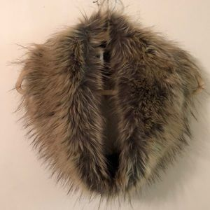 Accessories - Light brown faux fur infinity scarf